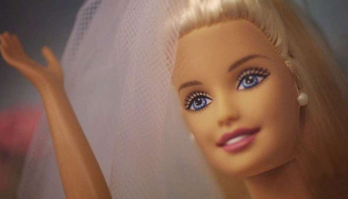 Jouet Barbie mariée